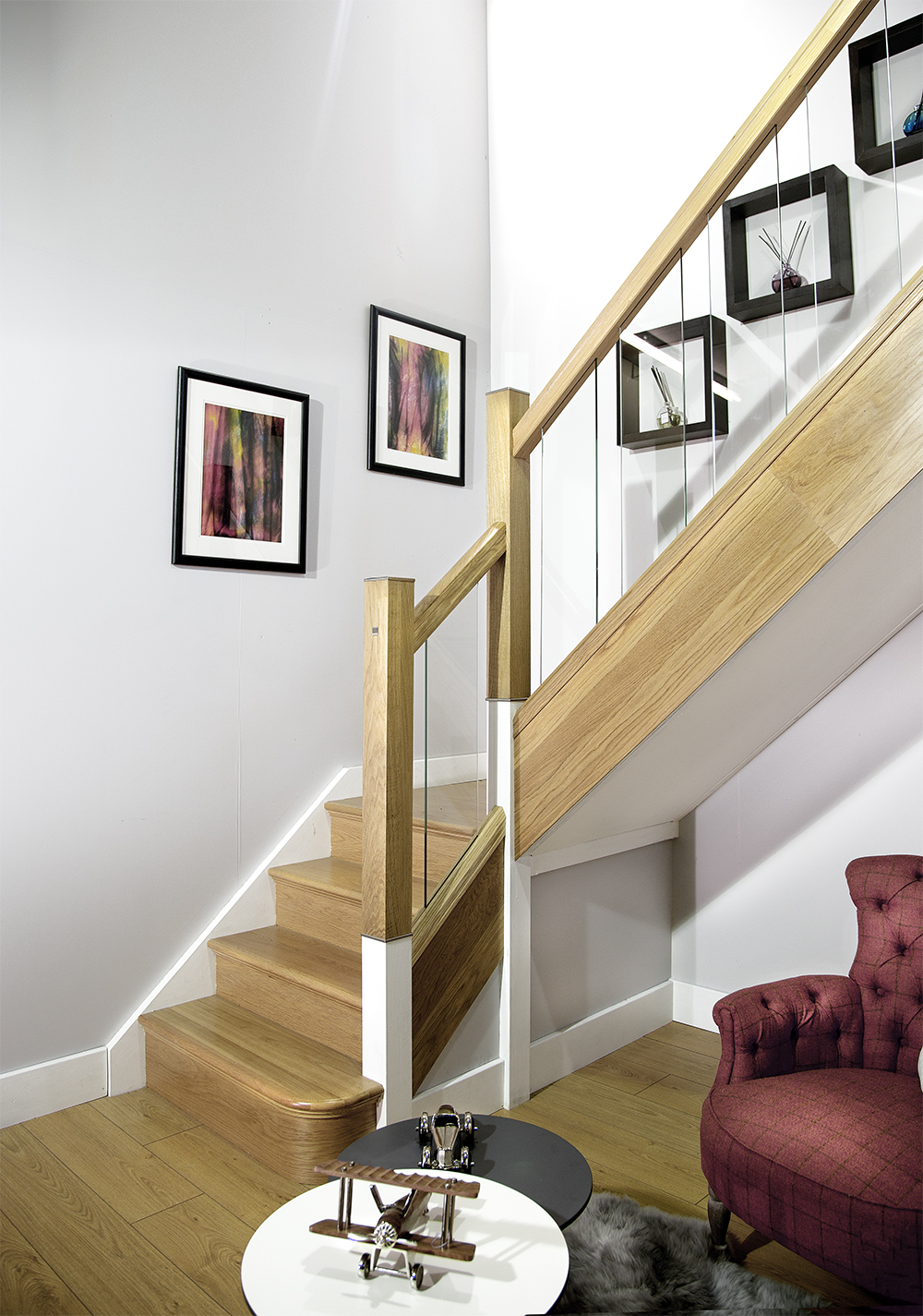 Top 3 staircase design trends for 2016 george quinn - Couleur pour cage d escalier ...
